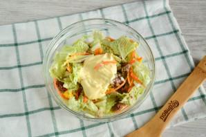 Салат с пекинской капустой и сайрой - фото шаг 6