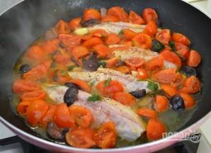 Скумбрия, тушенная с овощами - фото шаг 3