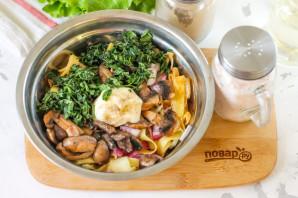 Салат с блинами и грибами - фото шаг 6