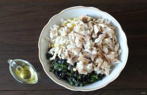 Салат из морского окуня горячего копчения - фото шаг 5