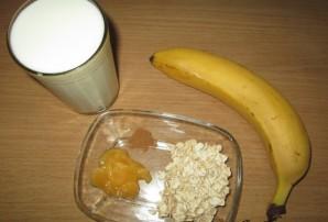 Смузи с бананом и молоком - фото шаг 1