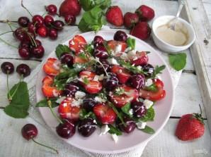 Салат из клубники и черешни  - фото шаг 8