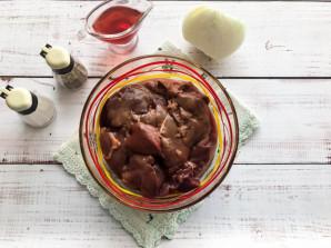 Куриная печень в гранатовом соусе - фото шаг 1