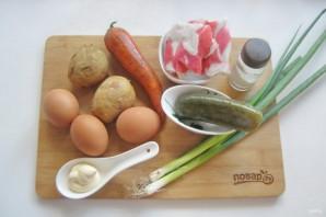 Оливье с крабовым мясом - фото шаг 1