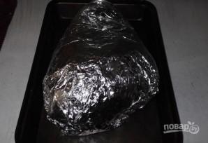 Свиная рулька, запеченная в духовке в фольге - фото шаг 3