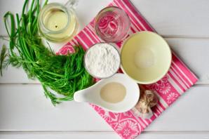 Пампушки на сковороде с чесноком - фото шаг 1