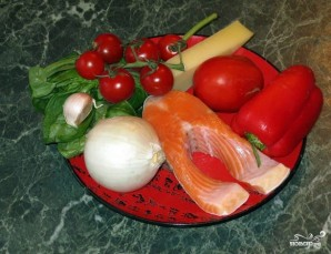 Пицца с красной рыбой - фото шаг 1
