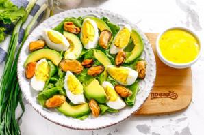 Салат с мидиями и авокадо - фото шаг 4