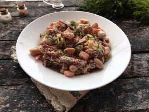 Салат с фасолью и копченой колбасой - фото шаг 7