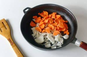 Паста с кальмарами в томатном соусе - фото шаг 4