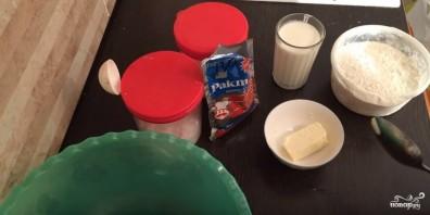 Быстрое дрожжевое тесто на кефире - фото шаг 1