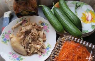 Cалат с корейской морковью и грибами - фото шаг 1