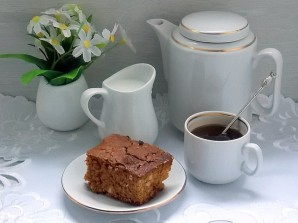 Пирог на вареной сгущенке с орехами - фото шаг 7