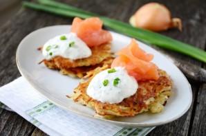 Картофельные оладьи с лососем - фото шаг 4
