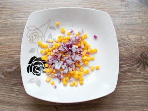 Салат с щупальцами кальмара - фото шаг 4