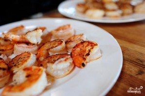 Паста с морепродуктами и помидорами - фото шаг 2