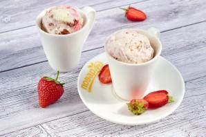 Мороженое с клубникой без перемешивания - фото шаг 4
