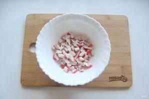 Крабовый салат с яблоком - фото шаг 2