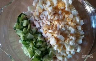 Салат с консервированными шампиньонами - фото шаг 4