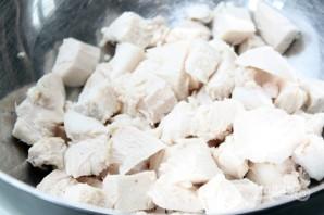 Салат из фасоли с курицей - фото шаг 1