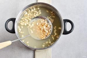 Гороховый суп на мясном бульоне - фото шаг 4