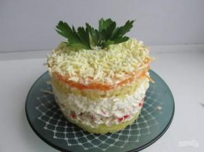 Салат слоеный с крабовыми палочками - фото шаг 5