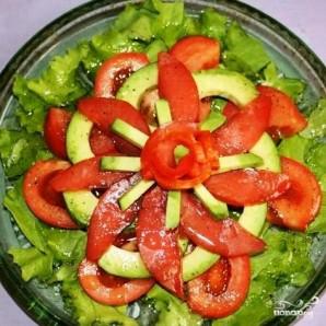 Салат с красной рыбой - фото шаг 10