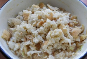 Котлеты из куриного фарша с капустой, тушенные в томате - фото шаг 4