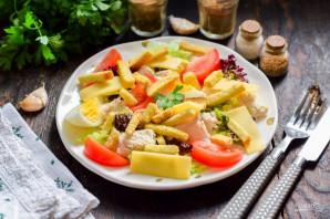 Салат с курицей и гренками - фото шаг 7