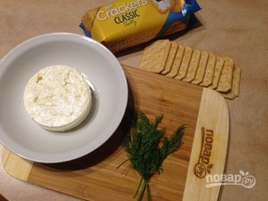 Закуска из крекеров с брынзой - фото шаг 1