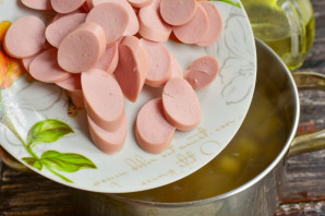 Гречневый суп с сосисками - фото шаг 8