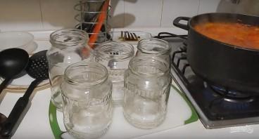 Рецепт лечо на зиму с томатной пастой - фото шаг 5