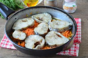 Минтай с бульоном в сковороде - фото шаг 5