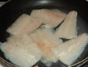 Рыба отварная с соусом польским - фото шаг 2