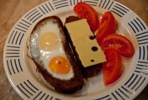 Гренки с яйцом и сыром - фото шаг 6
