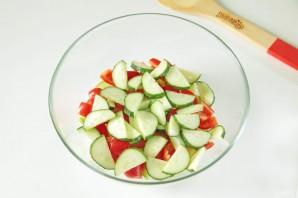 Греческий салат с цуккини и помидорами - фото шаг 4