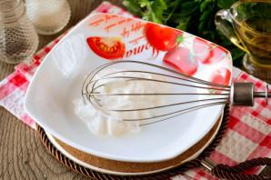 Жареные пельмени со сметаной на сковороде - фото шаг 4