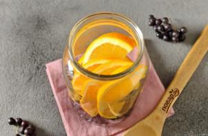 Компот из черноплодной рябины с апельсином - фото шаг 5