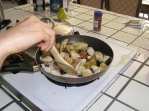 Соус для спагетти с курицей - фото шаг 2