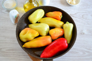 Перец жареный в маринаде на зиму - фото шаг 3