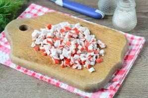 Бутерброды с крабовыми палочками и плавленым сыром - фото шаг 4
