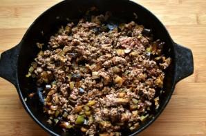 Пирожки с баклажанами, грибами и мясом - фото шаг 4