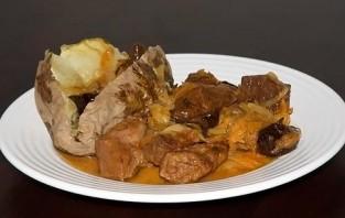 Тушеная свинина на сковороде - фото шаг 6