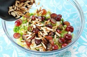 Салат с курицей и виноградом - фото шаг 6