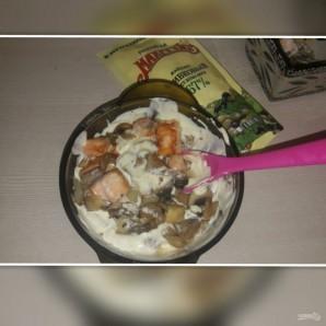 """Лучший рецепт """"А-ля жульена"""" с лососем и майонезом - фото шаг 4"""