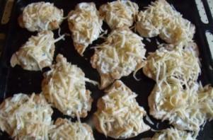 Курица с сыром в духовке - фото шаг 4