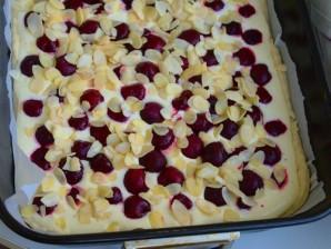 Творожное тесто для пирога с вишней - фото шаг 5
