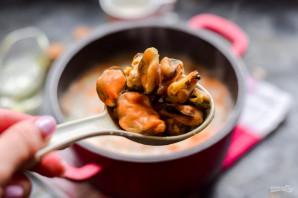 Сырный суп с мидиями - фото шаг 5
