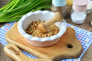 Яйца фаршированные орехами - фото шаг 5