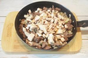 Говядина, тушенная с грибами и бренди-соусом - фото шаг 6